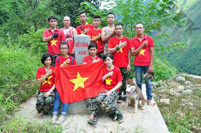 bán áo cờ đỏ sao vàng