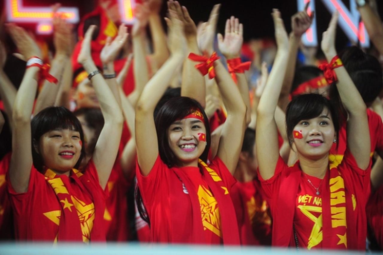 Địa chỉ bán áo lá cờ Việt Nam giá rẻ