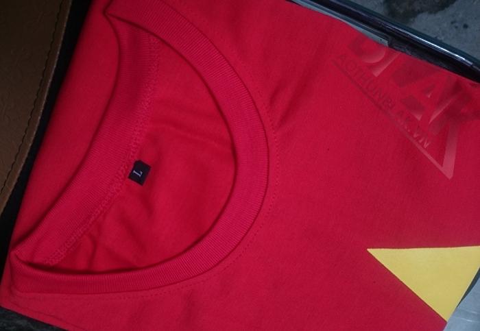 Vải may áo cờ đỏ sao vàng giá rẻ